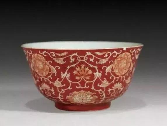 民窑瓷器与官窑瓷器