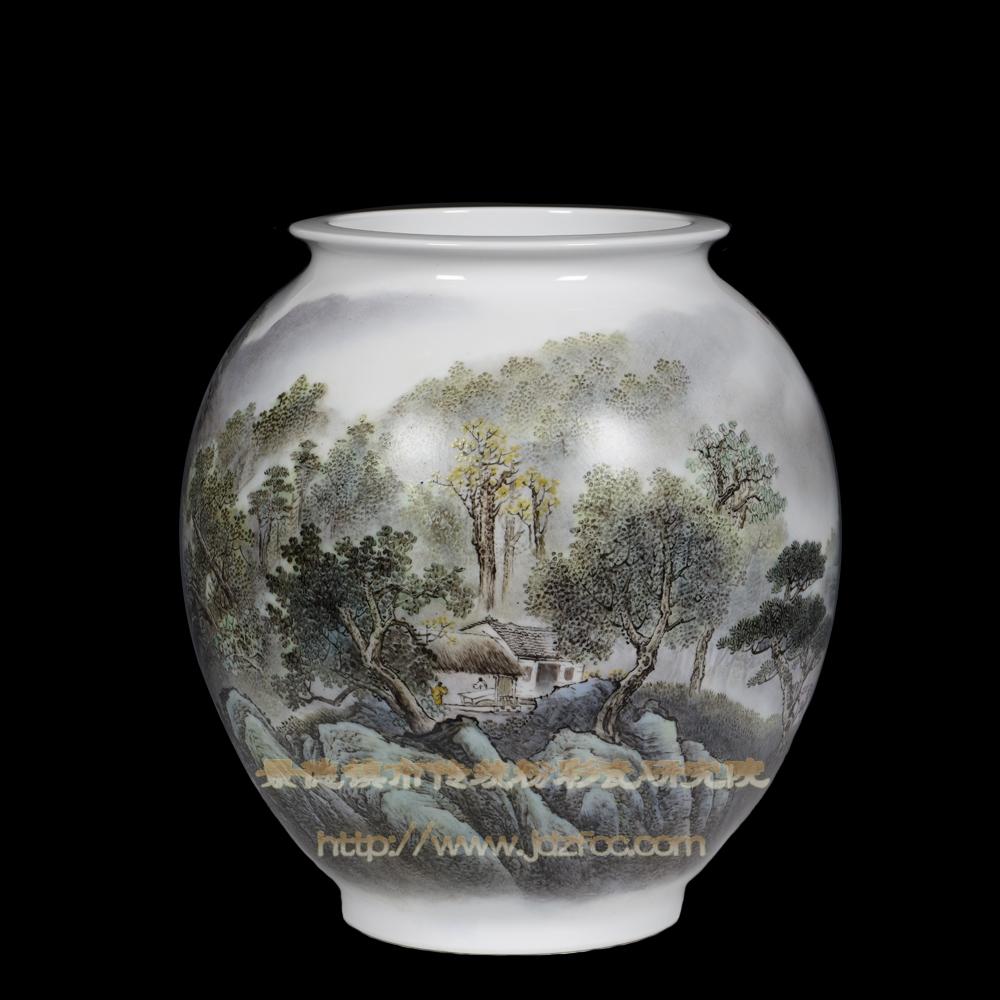 《风和晴日野径幽》瓷瓶