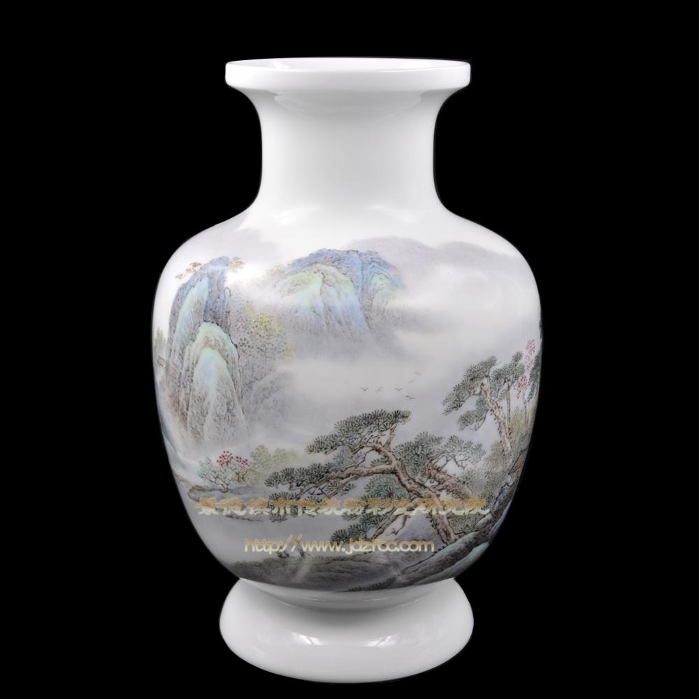 《树交花雨色》瓷瓶